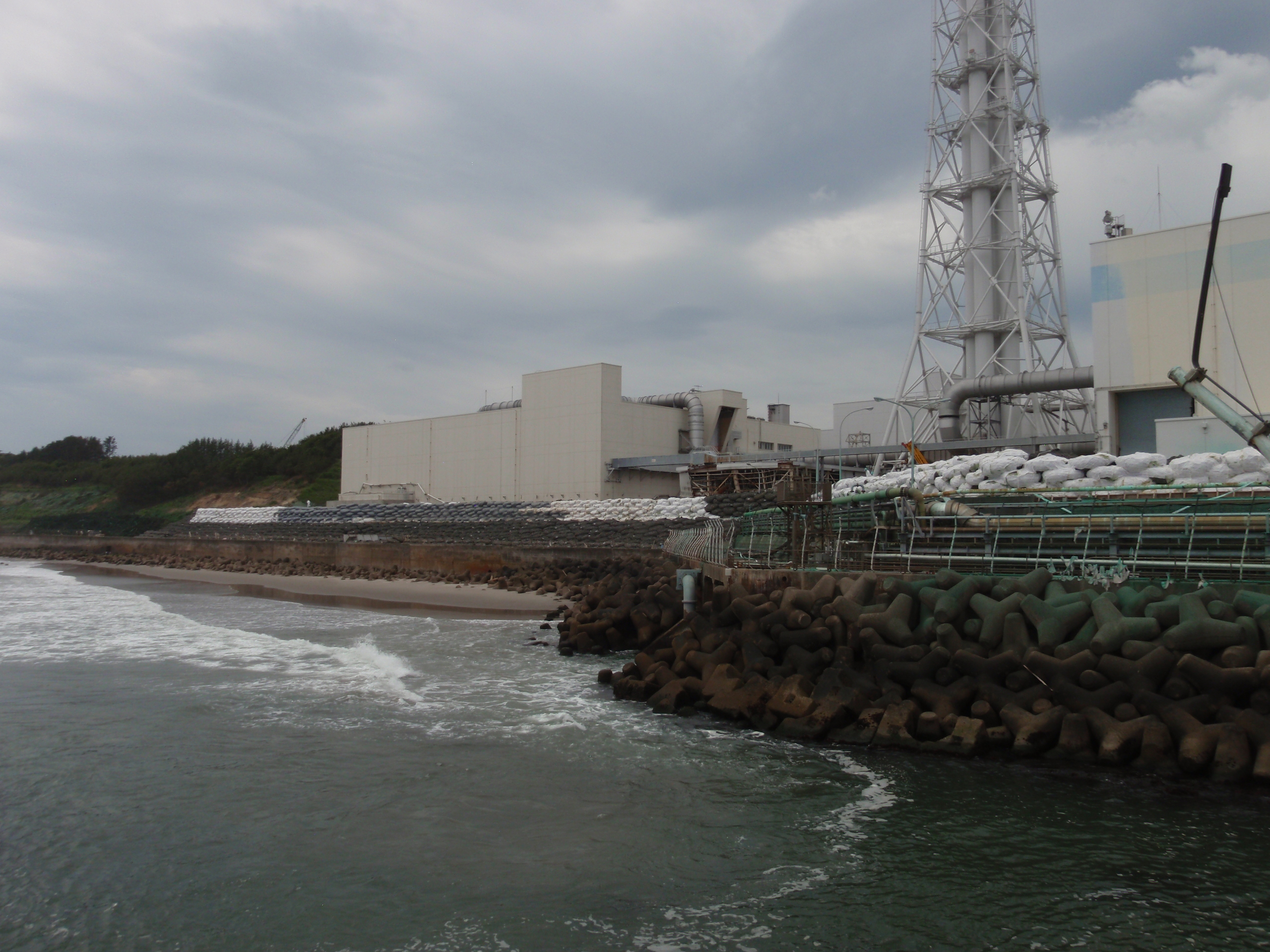 Temporary Tide Barrier of Fukushima Daiichi Nuclear Power Station 1