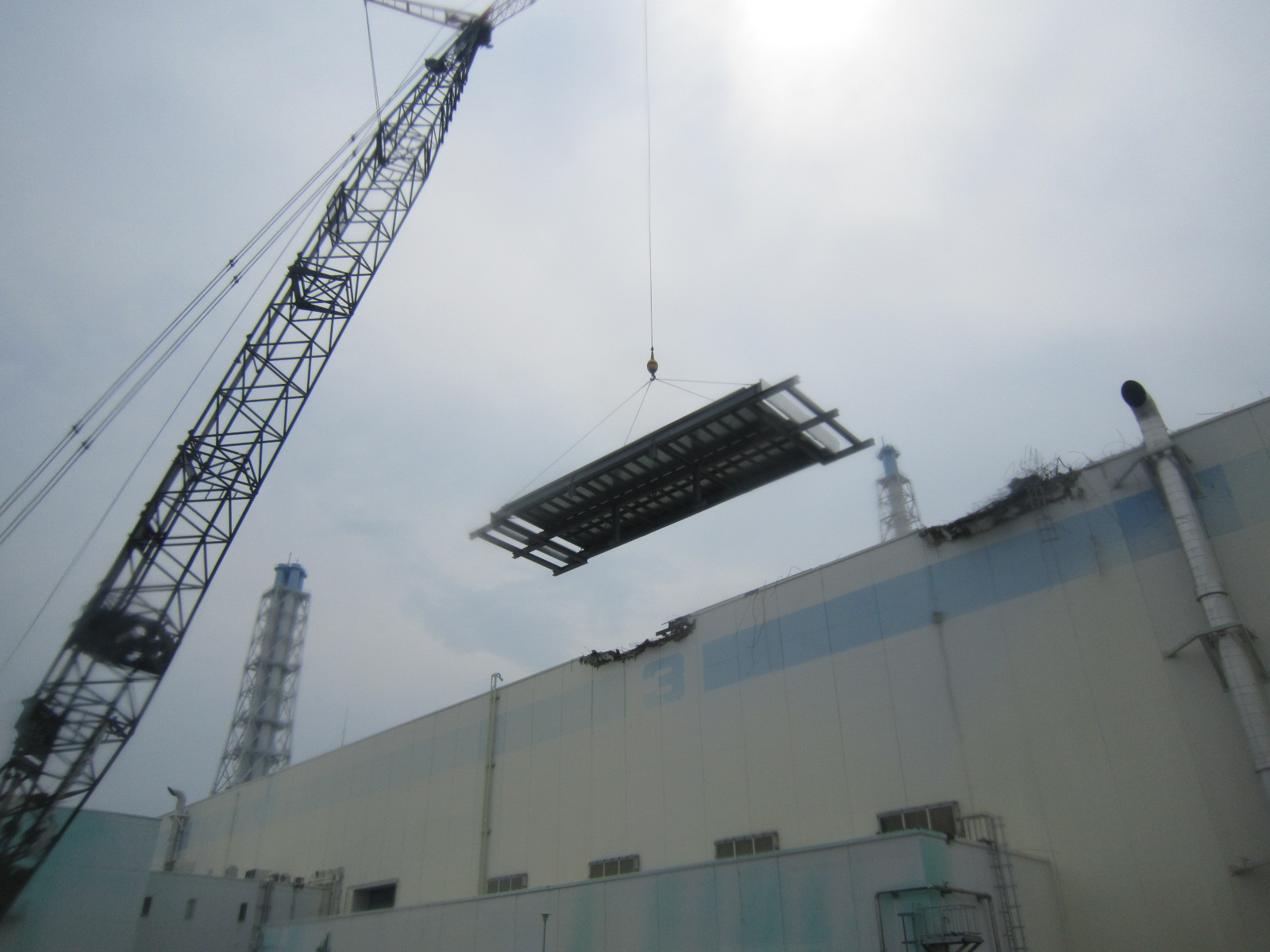 Fukushima Daiichi Nuclear Power Station Unit 3 Turbine Building Installation Work of Roof