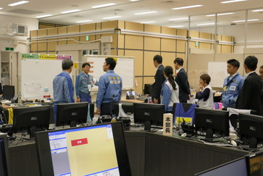 Seeing the emergency response headquarters in the main anti-earthquake building