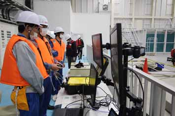 Submersible ROV operation training (2)